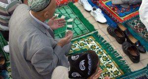 Bolehkah Berdoa di Dalam Shalat Menggunakan selain Bahasa Arab - MuadzDotCom - Sahabat Belajar Islam