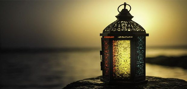 Hukum Puasa di Bulan Muharram - MuadzDotCom - Sahabat Belajar Islam